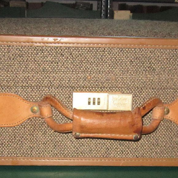 Hartmann Handbags - suitcase hartmann belt leather snap travel luggage